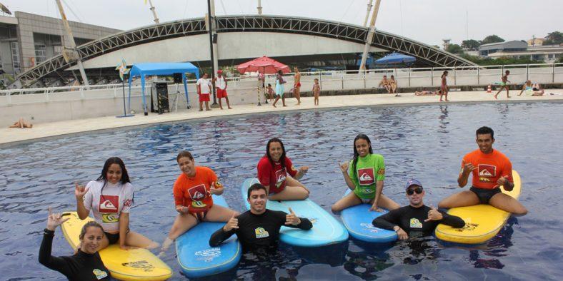 Ibrasurf ministra aulas de Surf e Stand Up Paddle
