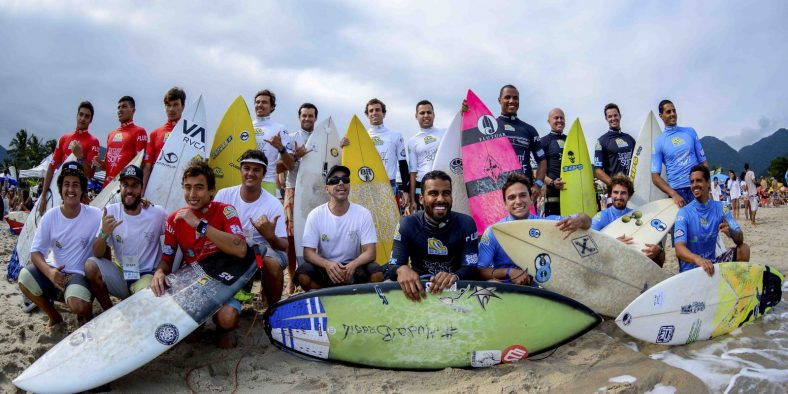 Sol e altas ondas marcam a 1ª etapa do 18º Circuito Paulista Universitário de Surf