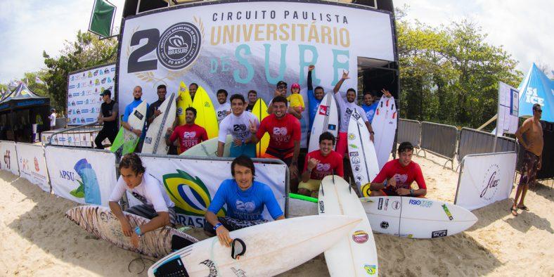 Estudantes em festa nos 20 anos do Circuito Universitário de Surf