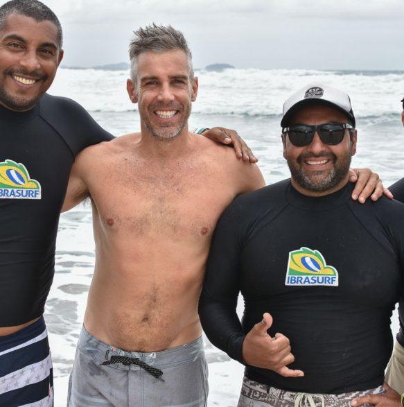 Will Muniz, Ale Zeni, o Chileno Negro e Edu da Silveira - 20o Curso de Instrutores de SURF e SUP - Foto Henrique Tricca