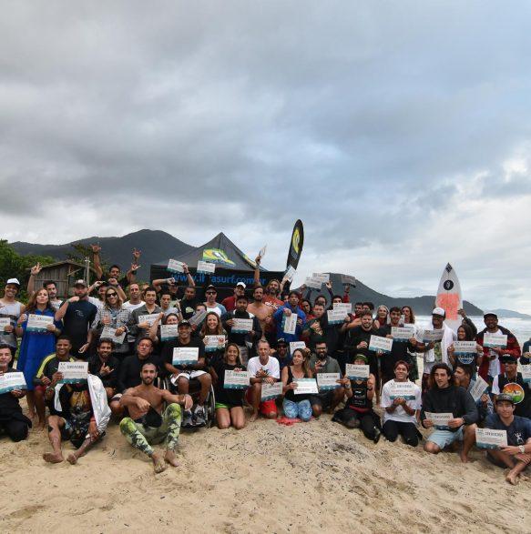 CERTIFICADOS! 20o Curso de Instrutores de SURF e SUP - Foto Henrique Tricca