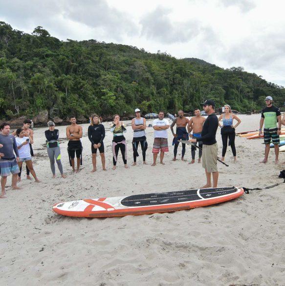 Aula prática SUP - 20o Curso de Instrutores de SURF e SUP - Foto Henrique Tricca