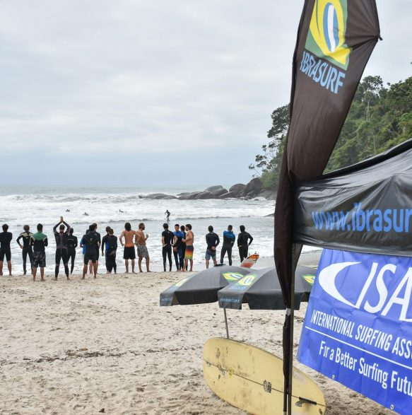 Aula prática - ISA Level 1 Surf Instructor - Foto: Henrique Tricca