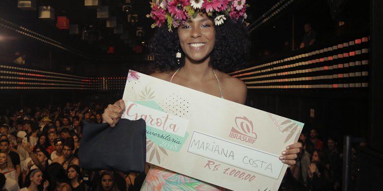 Mariana Costa é coroada Garota Universitária 2018