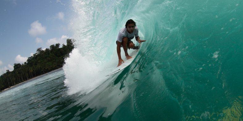 Pedro Tanaka conta detalhes e dá dicas do paraíso Surfing Village